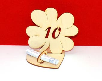 Cloverleaf for 10 or 18 birthdays or wedding day with congratulations and bank note holder