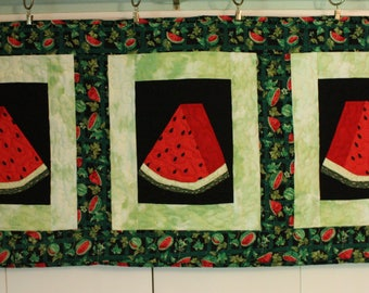 Quilted Watermelon Table Runner, Summer Quilted Table Runner, Quilted Tablerunner, Watermelon Table Topper, Hand Made quilted Table Runner
