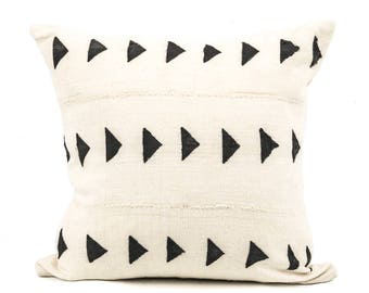 "African Mud Cloth Pillow Cover 20"" inch, SquaredCharm Handwoven, White and Black"