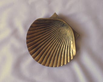 Vintage shell catch-all / jewelry holder / ring dish