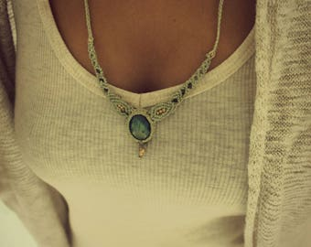 Color: green water labradorite macrame necklace