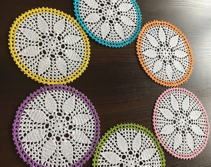 table topper, set 6 napkins, round napkins, rustic doily, crochet, centerpiece table, lace, crochet round dolls, elegant doily, runner doily