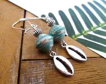 Boucles d'oreilles cauris argent et perles en papier menthe artisanales, cadeau femme, plage, fête des mères, boucles d'oreilles bohème boho