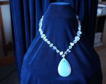 Beautiful  glowing blue-flash Moonstones Necklace with Large Pendant