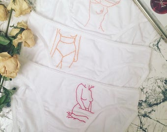 Embroidered panties - set of 3 panties