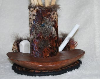 Wooden pencil holder and natural pheasant feathers