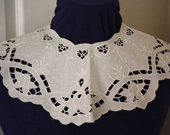 White Linen Cutwork and Whitework Embroidery Lace Collar 1970s