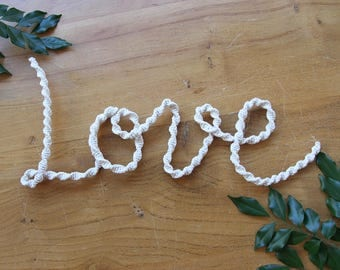 Macrame Hanging Word - LOVE -