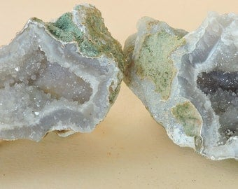 Complete geode with chalcedony and quartz from Uruguay