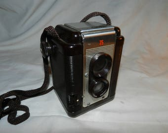 Vintage Camera - Argus 75 Twin Lens Reflex Camera with Argus Lumar 75mm Lens - With Working Shutter - Uses 620 Roll film Display Camera 57-2