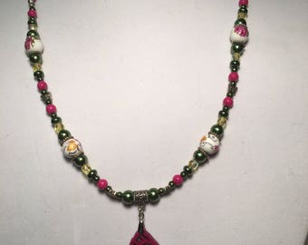 Green and burgundy floral necklace