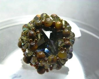 Ring Swarovski Crystal Green Khaki beads Tiger eye finishes bronze gold model single