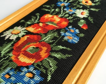 Embroidered Tapestry, Embroidered Flower Frame, Cross Stitch Frame, Small Stitches, Vintage Flower Frame, Embroidery, Canvas, Framed