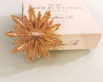 """Vintage Avon """"Starflower"""" Gold 60's Pin/Brooch & Avon Box"""