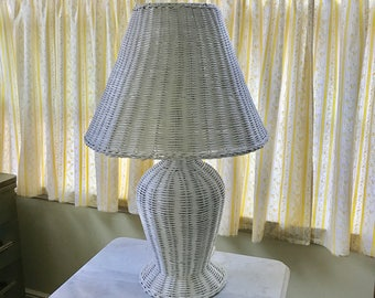 Vintage White Wicker Table Lamp with Wicker Shade Cottage Style Chic Vintage Lighting Collectible Wicker