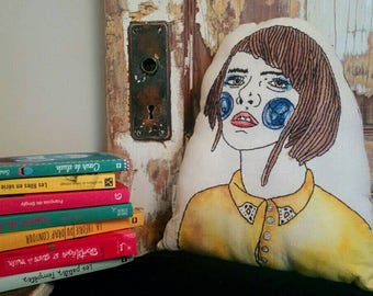 Madeleine l'âme en peine, decorative pillow of 2017 collection.  Hassock, Handmade embroidery and fabric painting. Woman, girl, cutie