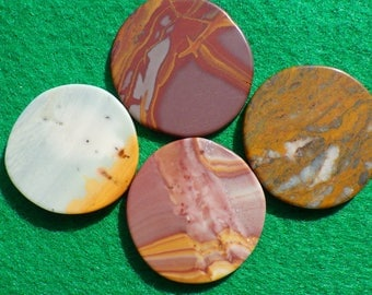 Around the world set of four golf ball markers