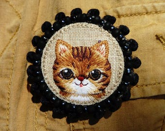 Brooch YOUPI, an adorable little  cat !