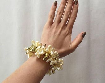 20% OFF SALE... faux corals bracelet || cream and golden plastic corals bracelet || statement bracelet