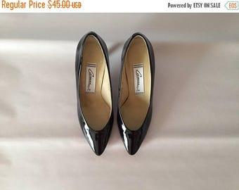 20% OFF SALE... patent leather pumps || 1980s black stilettos || 7.5