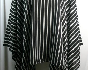 Plus size poncho style top, beautiful black and white striped, size 1X-2X