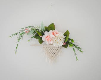 mini macrame and floral wreath Modern floral Wreath, asymmetrical wreath, hoop wreath, floral wall hanging, embroidery hoop wreath