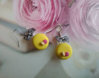 Lemon delicious macarons in polymer clay earrings