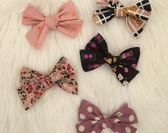 Hand Tied Bows | Bows | Bow Sets | Star Bows | Kitty Bows | Candy Bows | Nylon Headbands | Hair Clips | Baby Girl Bows