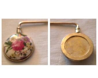 On Sale Vintage  Handbag and Purse Holder
