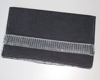 Door checkbook gray and silver glitter band