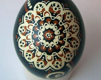 Traditional Ukrainian Easter egg.Handmade.Hand painted Easter eggs.Pysanka.Ukrainian real Easter eggs.Batic eggs. Chicken pysanka.