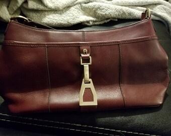 Beautiful leather purse etienne aigner