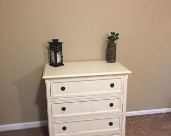 Shabby chic 3 drawer dresser chest