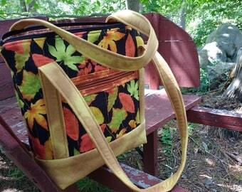 Cotton Quilted Handbag, Quilted Tote, Handbag with pockets, Shoulder Bag, Shoulder Tote, Cotton Purse, Cotton Tote