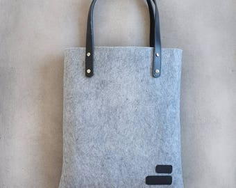 Felt and black leather tote bag / / gift for girlfriend / / MOM gift.