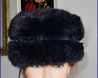 Beautiful preowned navy blue opossum fur headband  with nice plastic lace  deco.S/M