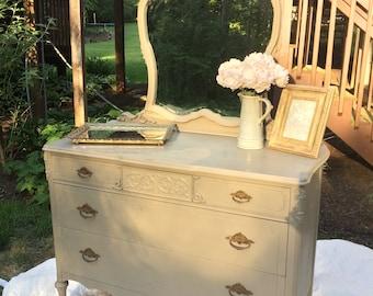 Vintage Dresser with Mirror/Dresser