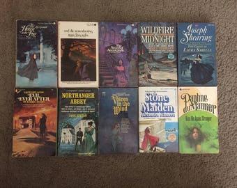 Gothic Romance Horror Paperbacks Lot of (10) 1960s 70s