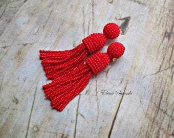 Red color/beaded tassel/Short-tassel/handmade/oscar de la renta/clip on earrings/beading dangle earring/Earrings with sterling SILVER stud