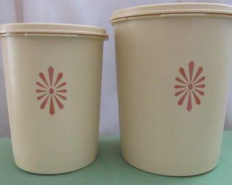 Tupperware 1970. Two Yellow Retro Tupperware Storage Containers. Retro Kitchen. Retro 1970 Tupperware. Vintage Tupperware. Yellow Tupperware