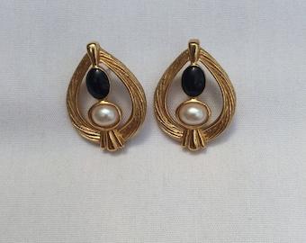 Beautiful Retro Earrings, Gold Black and Pearl Studs, Vintage Pierced Ears, Avon Earrings