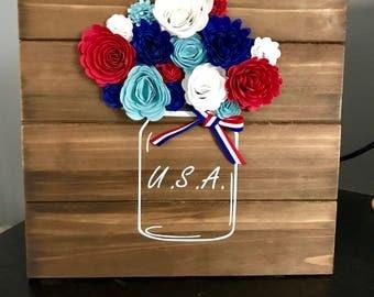 USA Floral Wood Decor