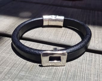 Leather bracelet; Men's bracelet; Black leather bracelet; Licorice leather bracelet;  Unisex bracelet; Silver bracelet; Magnetic bracelet