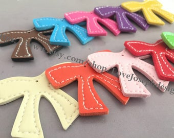 wholesale 100 Pieces /Lot Assorted colors(more than 11 colors) 55mmx46mm fuax leather bowknot charms (#0399)