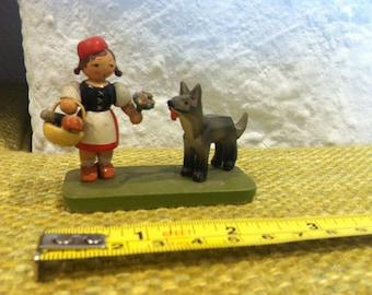 Vintage fairy tale figure Erzgebirge wood carved miniatur, dollhouse accessoires