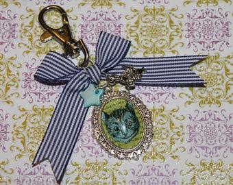 Bag charm / key chain metal / Chechire Ribbon