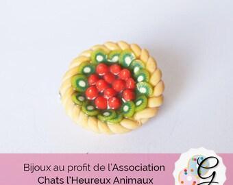 Kiwi and strawberry pie brooch