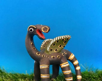 Mexican ceramics. Alebrije. Ceramic alebrije. Ceramic dragon. Mexican dragon. Ceramic figurine. Mexican figurines. Mexican folk art