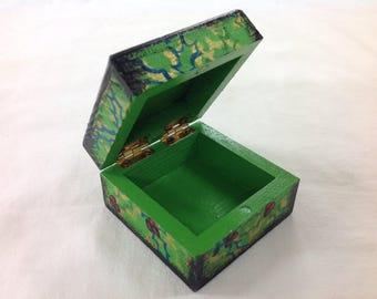 Mini christmas holly trinket jewellery ring box