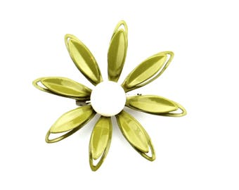 Green/White Daisy Enamel/Metal Pin/Brooch